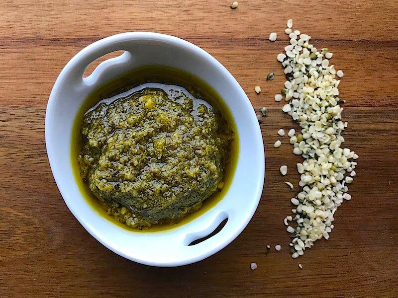 Recept på pesto med vetegräs