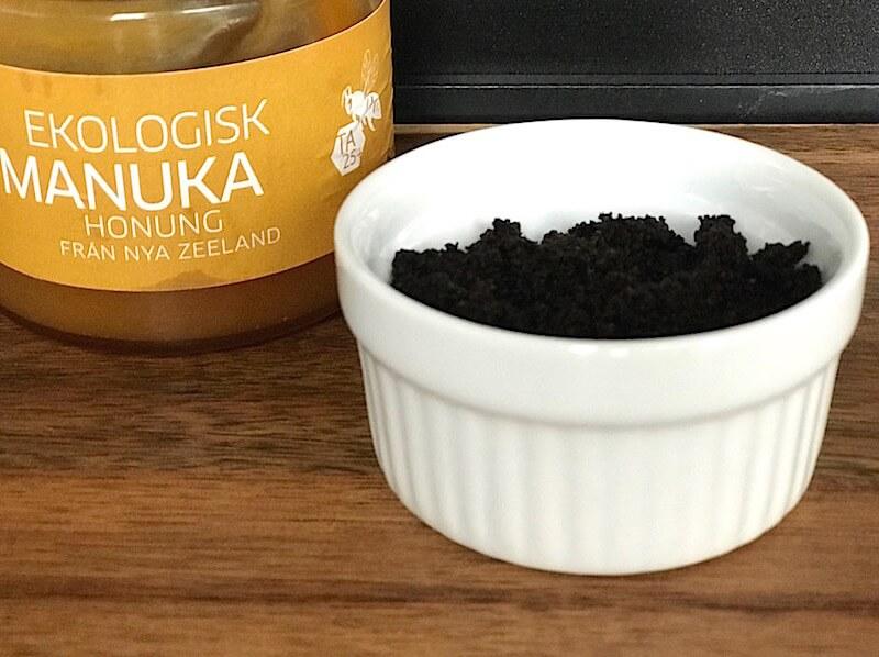 Så kan du reducera mörka ringar under ögonen med kaffe