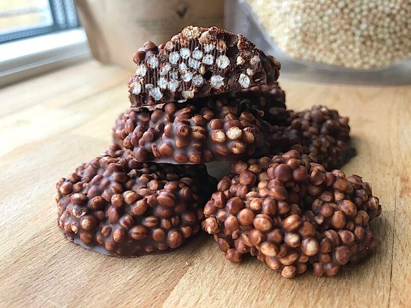 Chokladkrisp med quinoapuffar och hampafrön recept