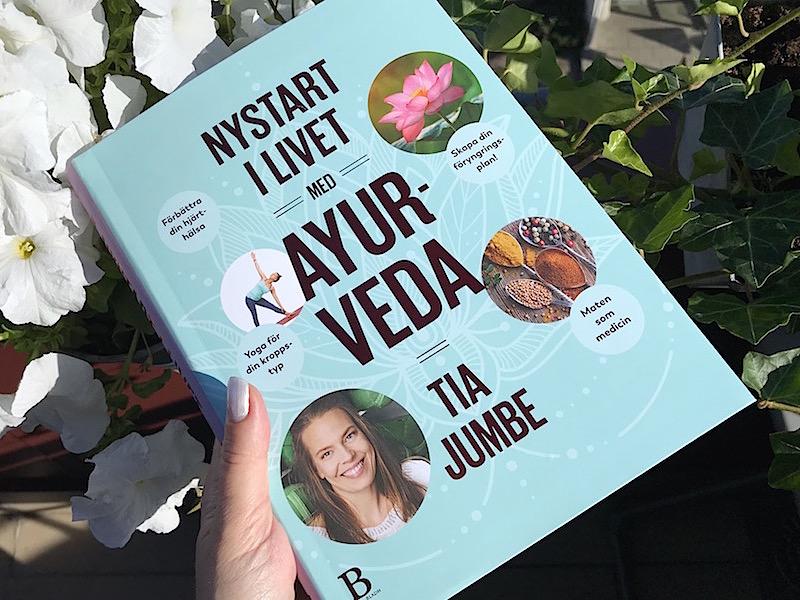 """Boken """"Nystart i livet med Ayurveda"""""""