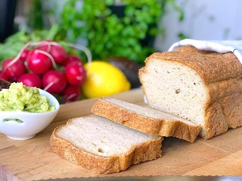 Glutenfritt bröd med kikärtsspad (aquafaba)