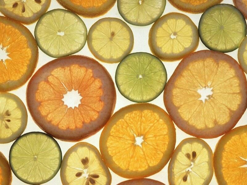 Funktion av C-vitamin och bra kosttillskott av C-vitamin