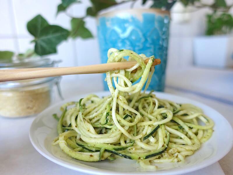 En tallrik med zoodles - zucchininudlar